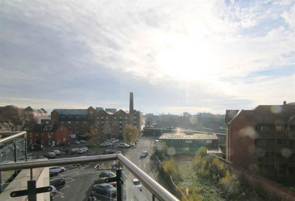 2 Bedrooms Apartment Flat for sale in The Quarter, Chester City