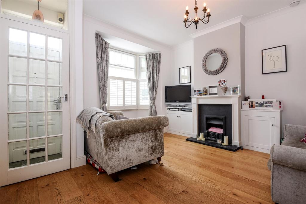 3 Bedrooms End Of Terrace House for sale in Derby Road, East Sheen