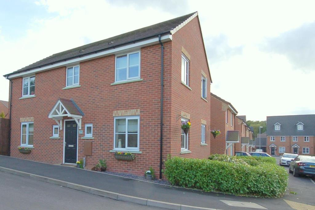 4 Bedrooms Detached House for sale in Rowhurst Crescent, Talke