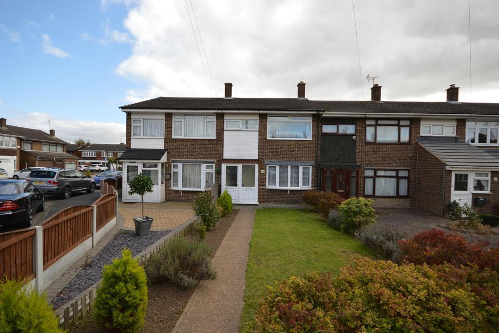 3 Bedrooms Terraced House for sale in Dove Walk, Hornchurch, Essex, RM12
