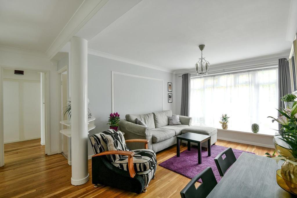 2 Bedrooms Flat for sale in Park Court, Lawrie Park Road, Sydenham