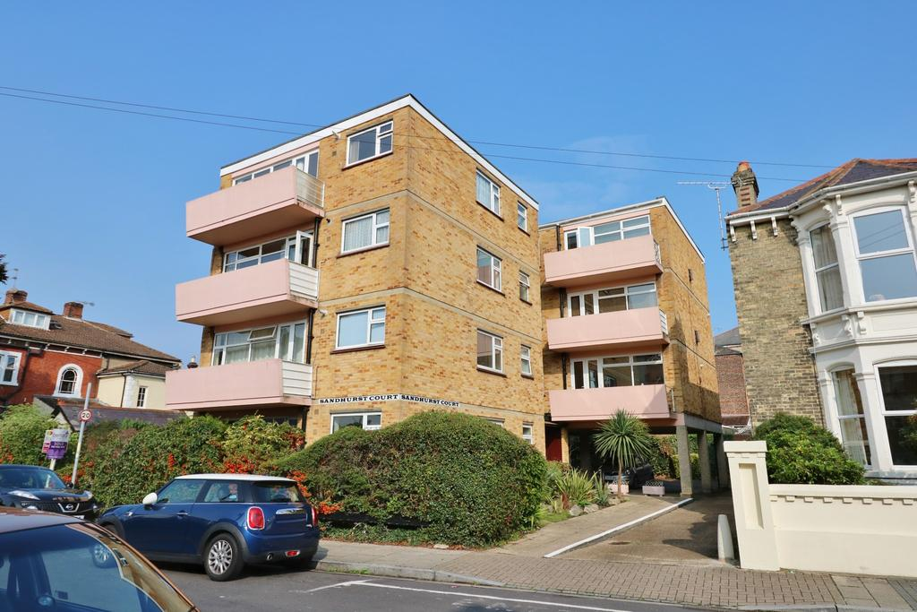 2 Bedrooms Flat for sale in Victoria Grove, Southsea