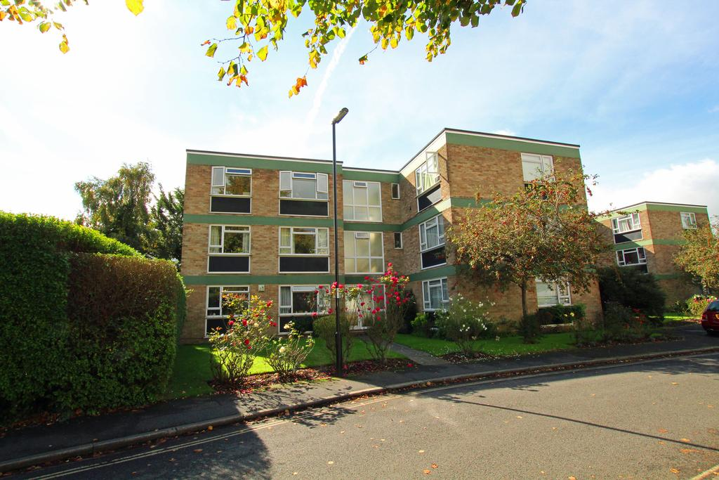 2 Bedrooms Ground Flat for sale in Elsaw Cort, Cawley Road, Chcheste PO19