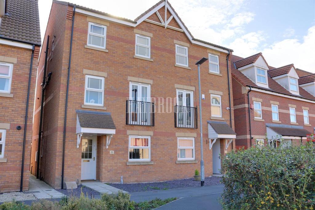 4 Bedrooms Semi Detached House for sale in Sanders Way, Dinnington