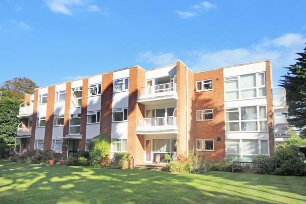 2 Bedrooms Apartment Flat for sale in Clarendon Road, Bournemouth