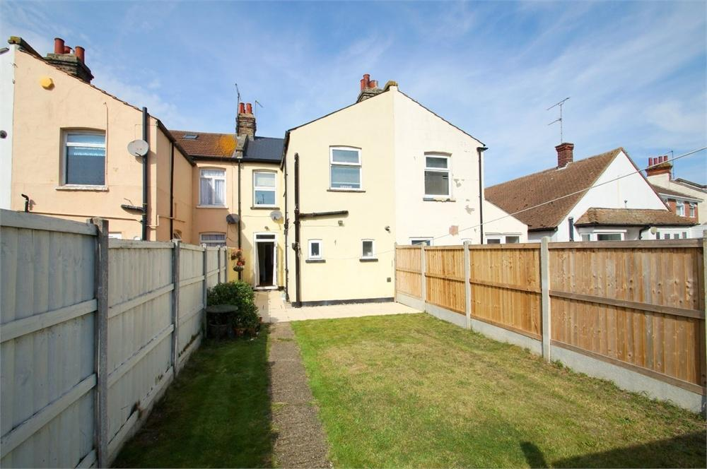3 Bedrooms Terraced House for sale in Dudley Road, CLACTON-ON-SEA, Essex