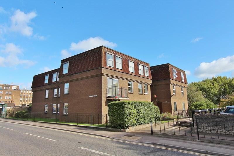 2 Bedrooms Flat for sale in Temple Street, Keynsham, Bristol