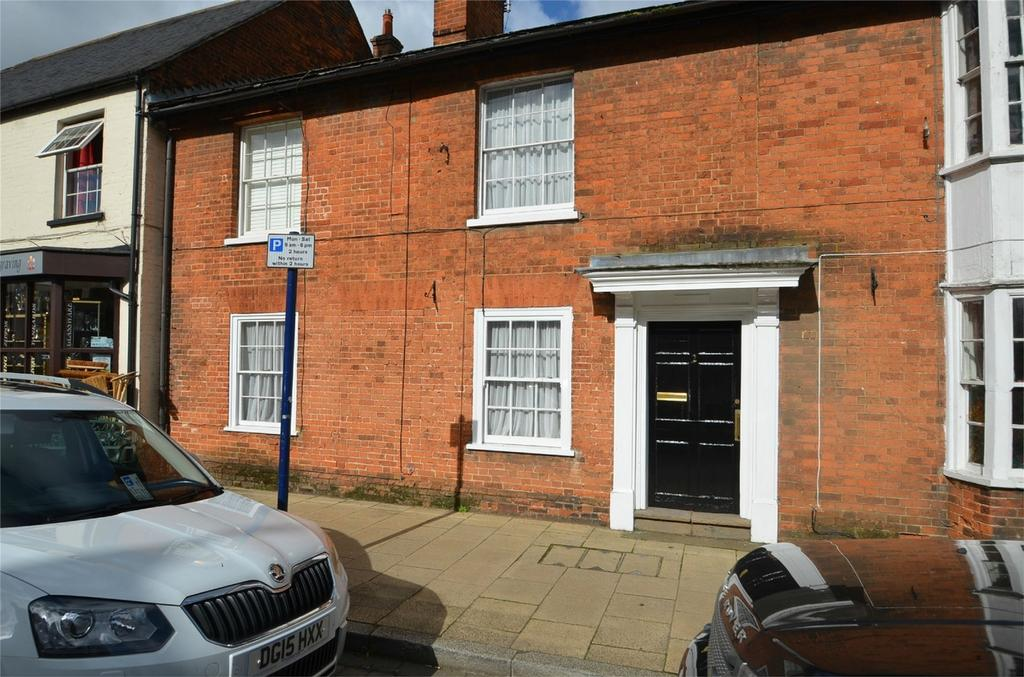 3 Bedrooms Terraced House for rent in The Maltings, High Street, SHEFFORD, Bedfordshire