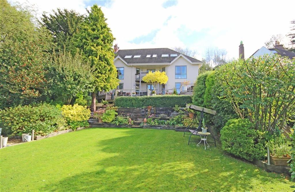 5 Bedrooms Detached House for sale in Cleeve Hill, Cheltenham, GL52