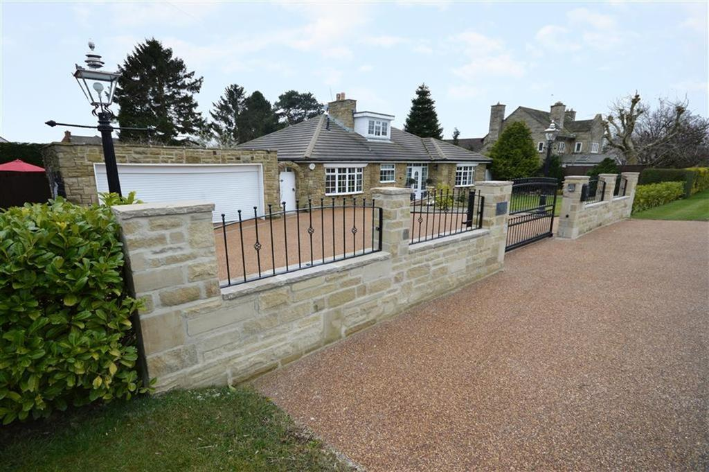 4 Bedrooms Detached Bungalow for sale in Otley Road, Harrogate, North Yorkshire
