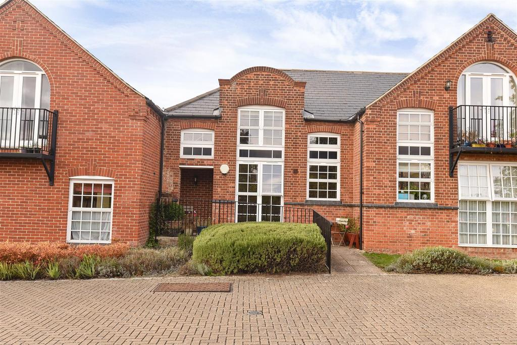2 Bedrooms Maisonette Flat for sale in Margaret Road, Headington, Oxford