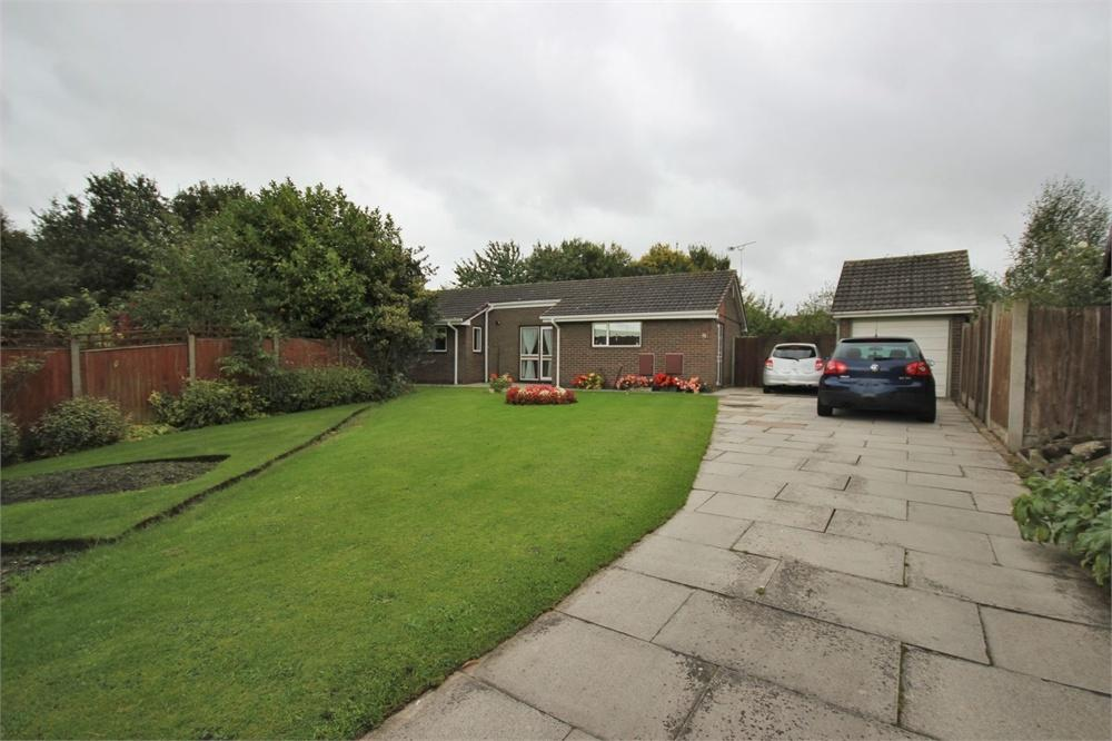 3 Bedrooms Detached Bungalow for sale in Daffodil Close, WIDNES, Cheshire