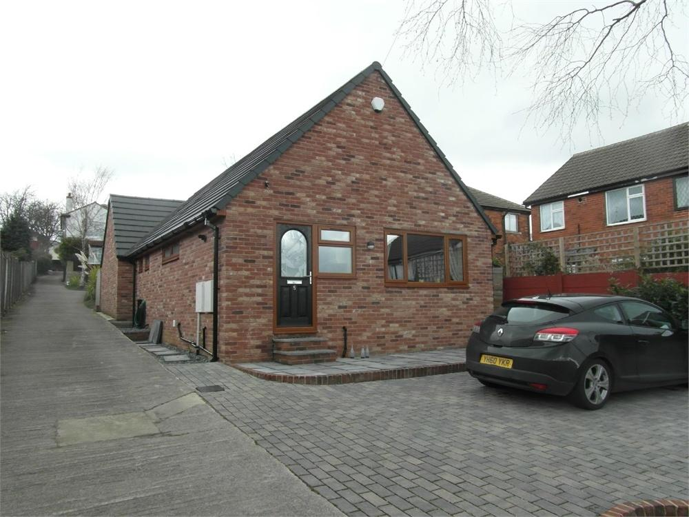 2 Bedrooms Detached Bungalow for sale in Ash Street, CLECKHEATON, West Yorkshire