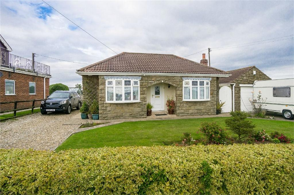 3 Bedrooms Detached Bungalow for sale in North Leys Road, Hollym, East Riding of Yorkshire