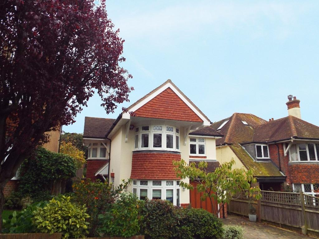 4 Bedrooms Detached House for sale in Varndean Gardens Brighton East Sussex BN1