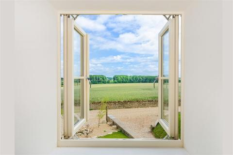 5 bedroom property for sale - Wittering, Peterborough, Cambridgeshire