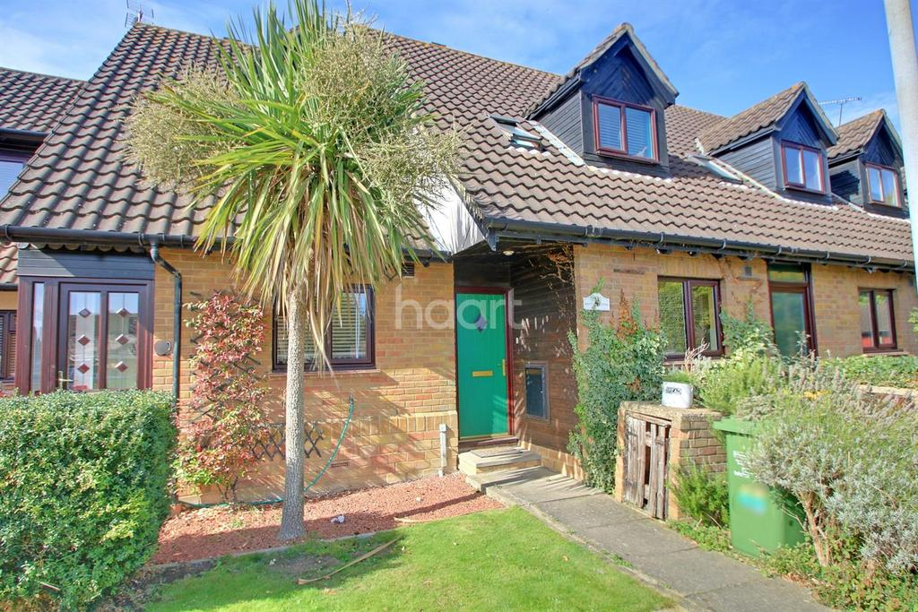 2 Bedrooms Terraced House for sale in Acorn Place, Langdon Hills