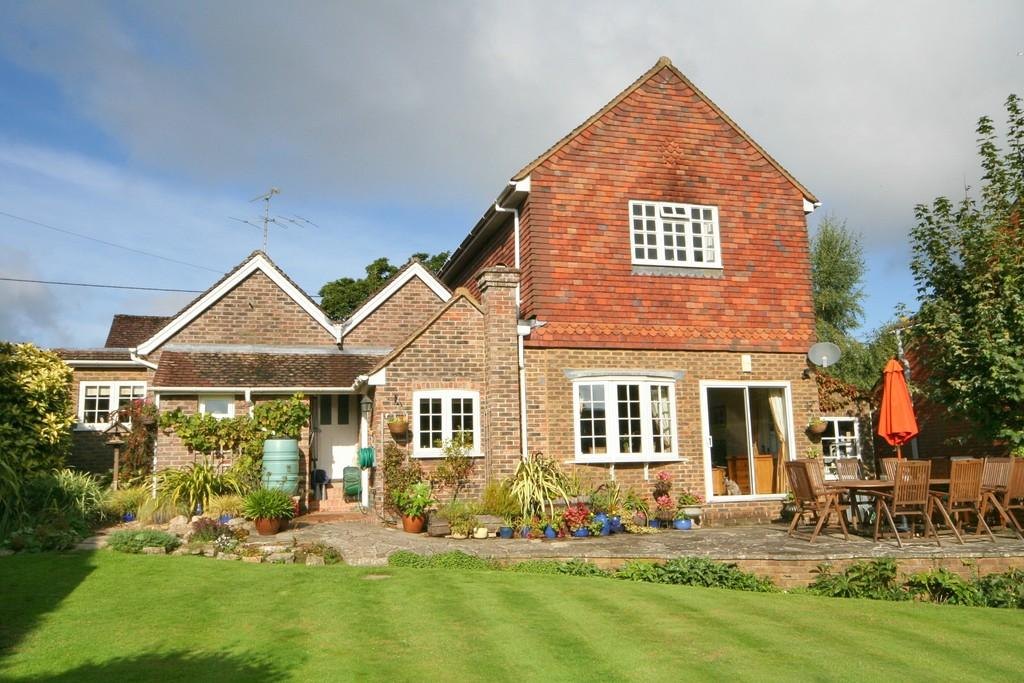 5 Bedrooms Detached House for sale in Loxwood