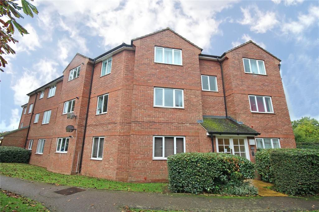 2 Bedrooms Flat for sale in Heathcroft, Welwyn Garden City, Hertfordshire