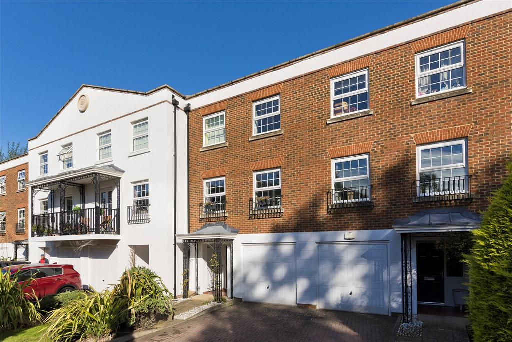 4 Bedrooms Terraced House for sale in Thorne Close, Claygate, Esher, Surrey, KT10