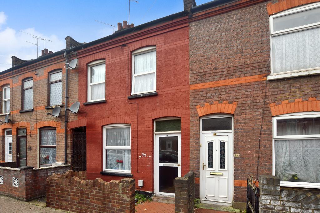 2 Bedrooms Terraced House for sale in Oak Road, Luton, LU4 8AD