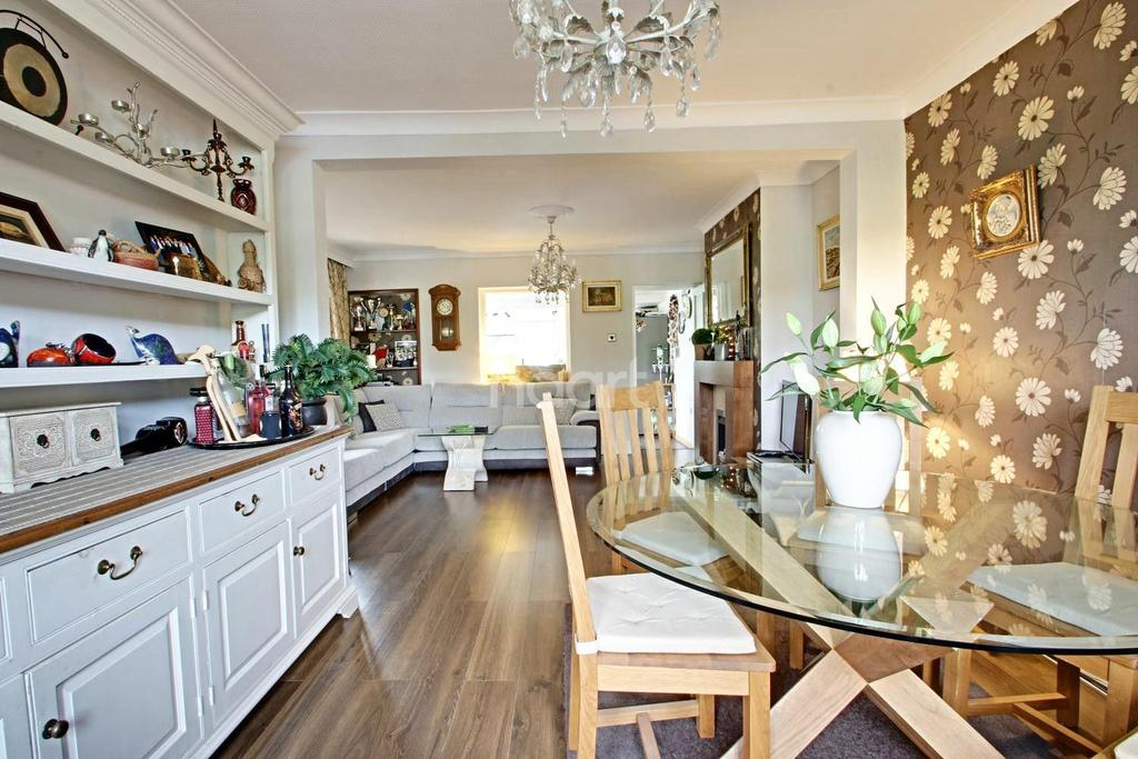 3 Bedrooms Semi Detached House for sale in Longdale Lane, Ravenshead