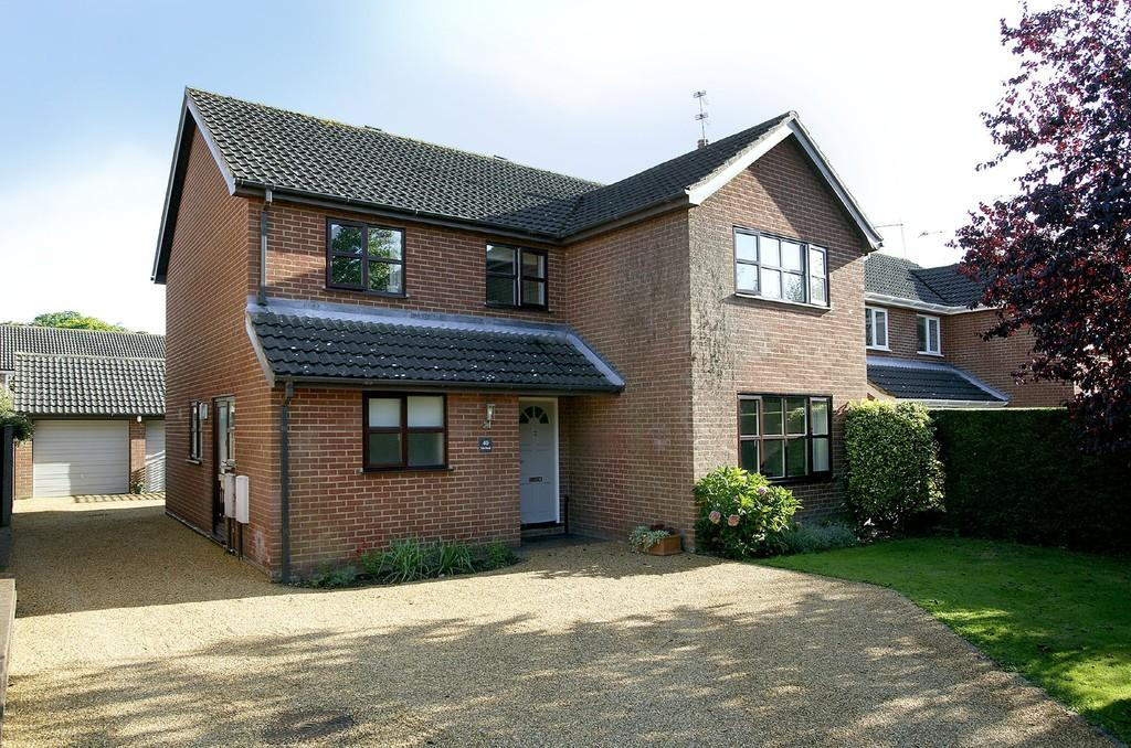 4 Bedrooms Detached House for sale in Firs Road, Hethersett