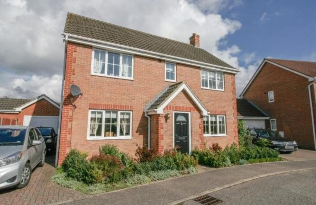 4 Bedrooms Detached House for sale in Tantallon Drive, Attleborough