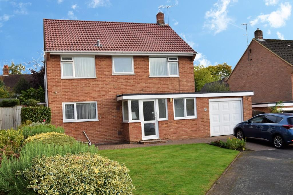 4 Bedrooms Detached House for sale in Burwood Close, Merrow, Guildford GU1 2SB