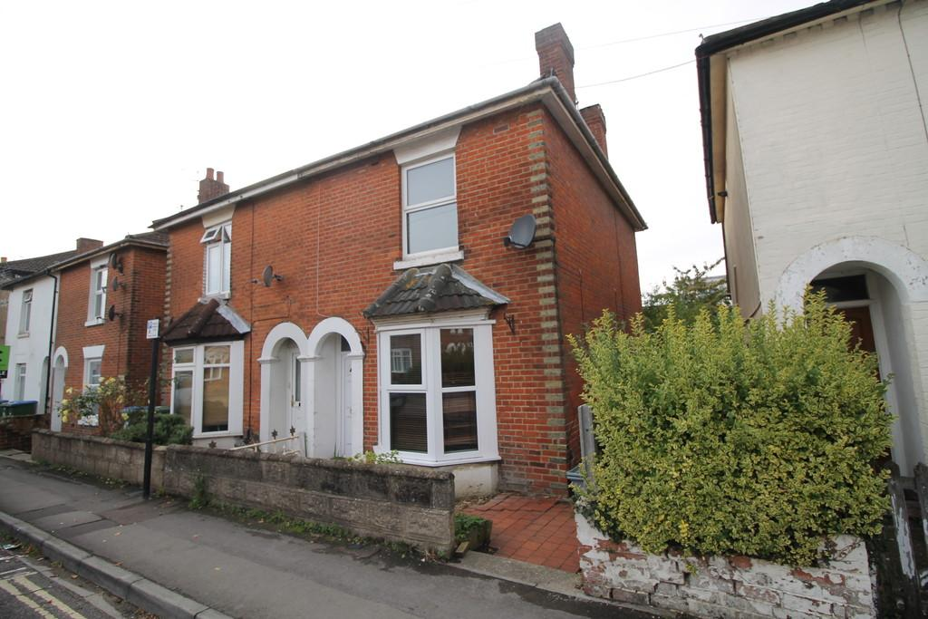 3 Bedrooms Semi Detached House for sale in Johns Road, Woolston