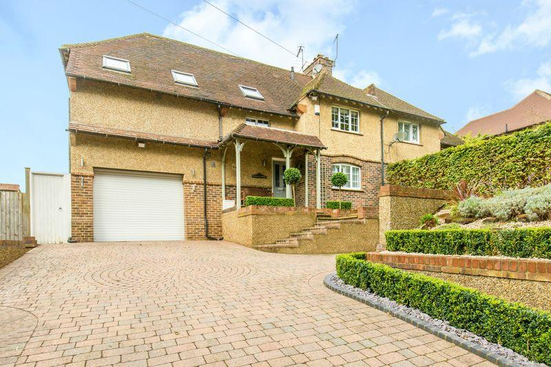 4 Bedrooms Semi Detached House for sale in Tilburstow Hill Road, Godstone