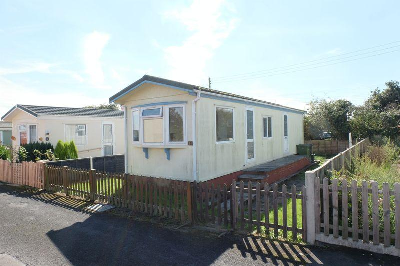2 Bedrooms Park Home Mobile Home for sale in Dunhampton Park, Stourport-On-Severn DY13 9SW