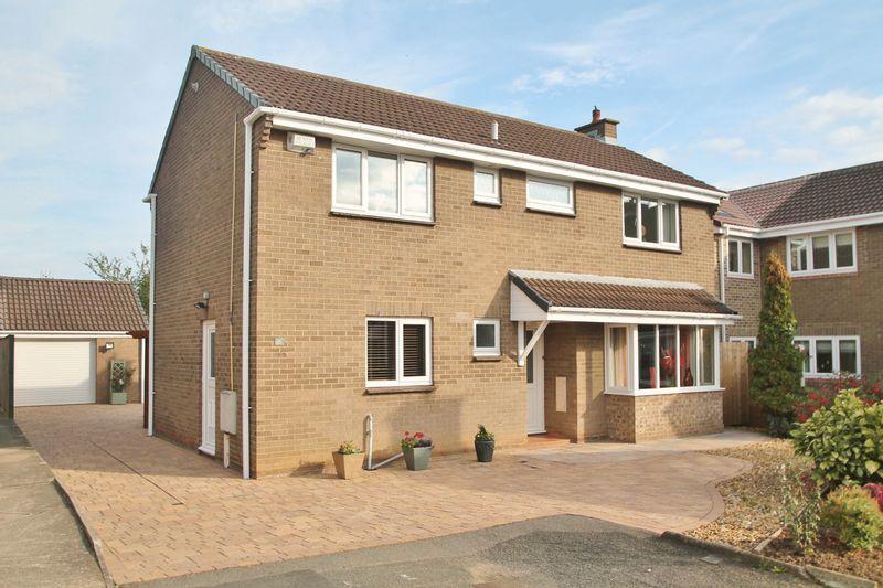 4 Bedrooms Detached House for sale in Glenfall Close, Billingham
