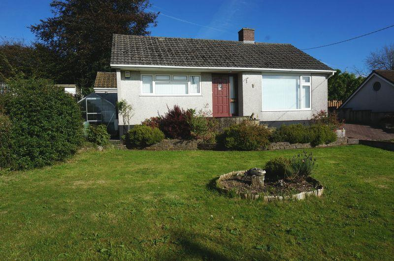 2 Bedrooms Detached Bungalow for sale in 106 Launceston Road, Callington