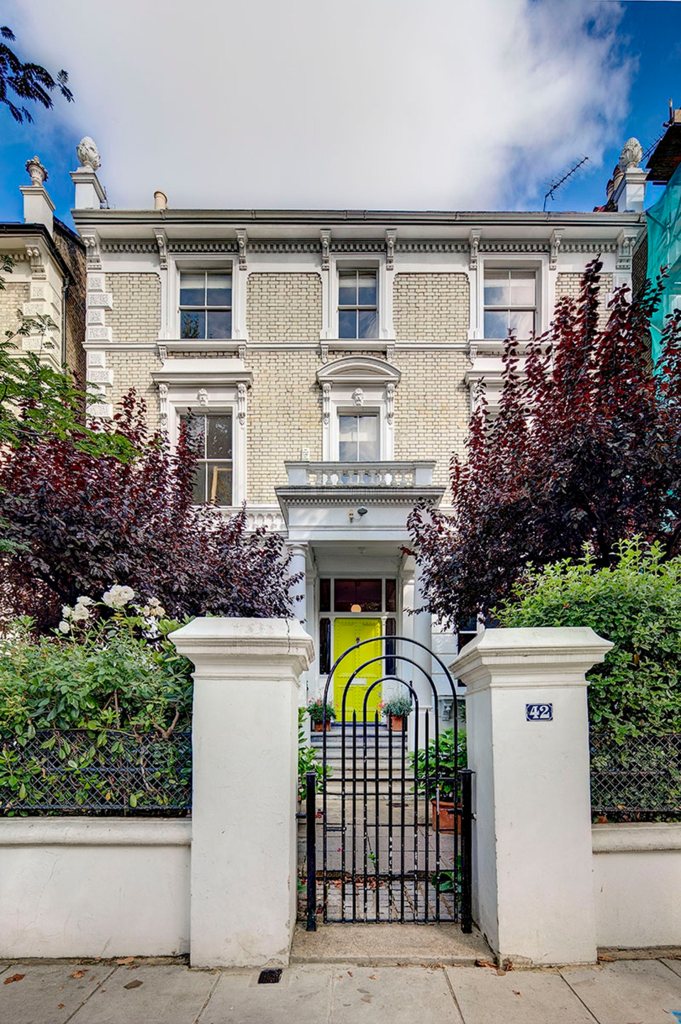 6 Bedrooms House for sale in Bassett Road, London. W10