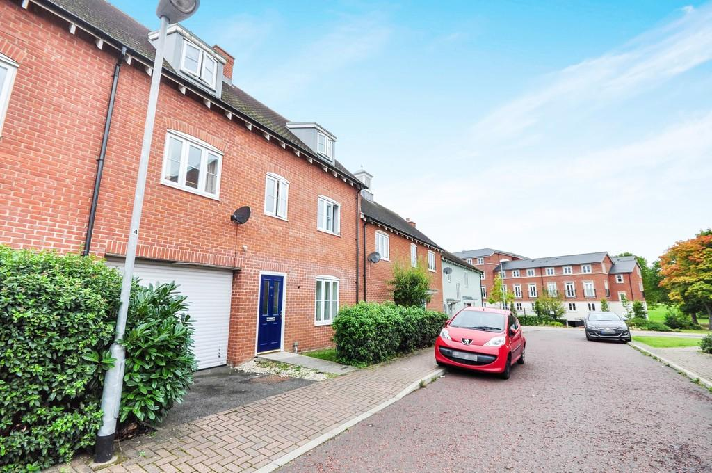 5 Bedrooms Terraced House for sale in Abbey Field View, Colchester, CO2 7US