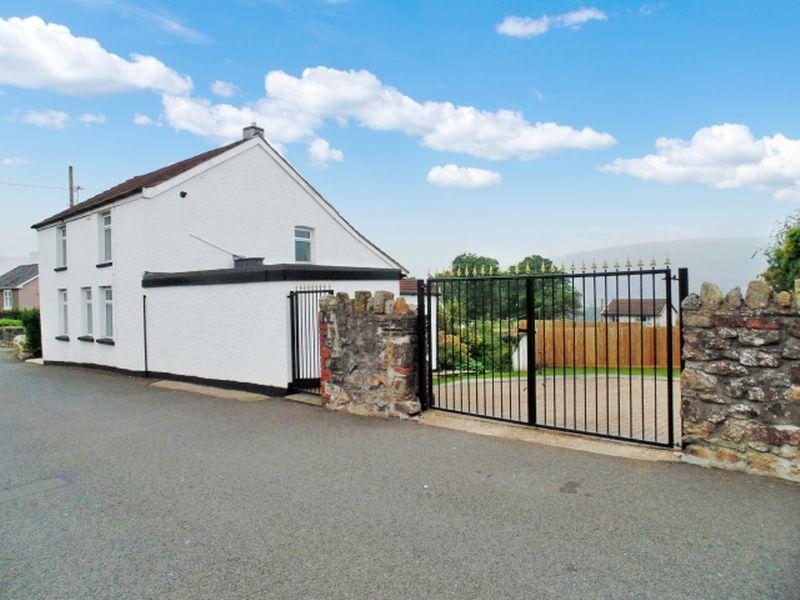 4 Bedrooms Detached House for sale in Stanley Road, Pontypool