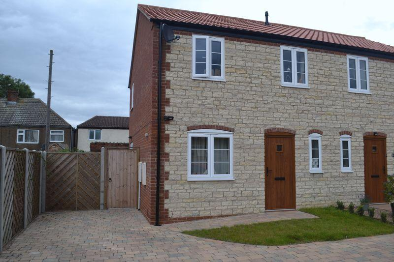 3 Bedrooms Cottage House for sale in High Burgage, Winteringham