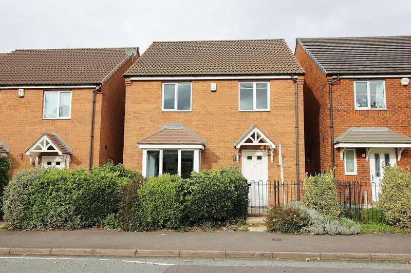 4 Bedrooms Detached House for sale in Stafford Road, Wednesbury