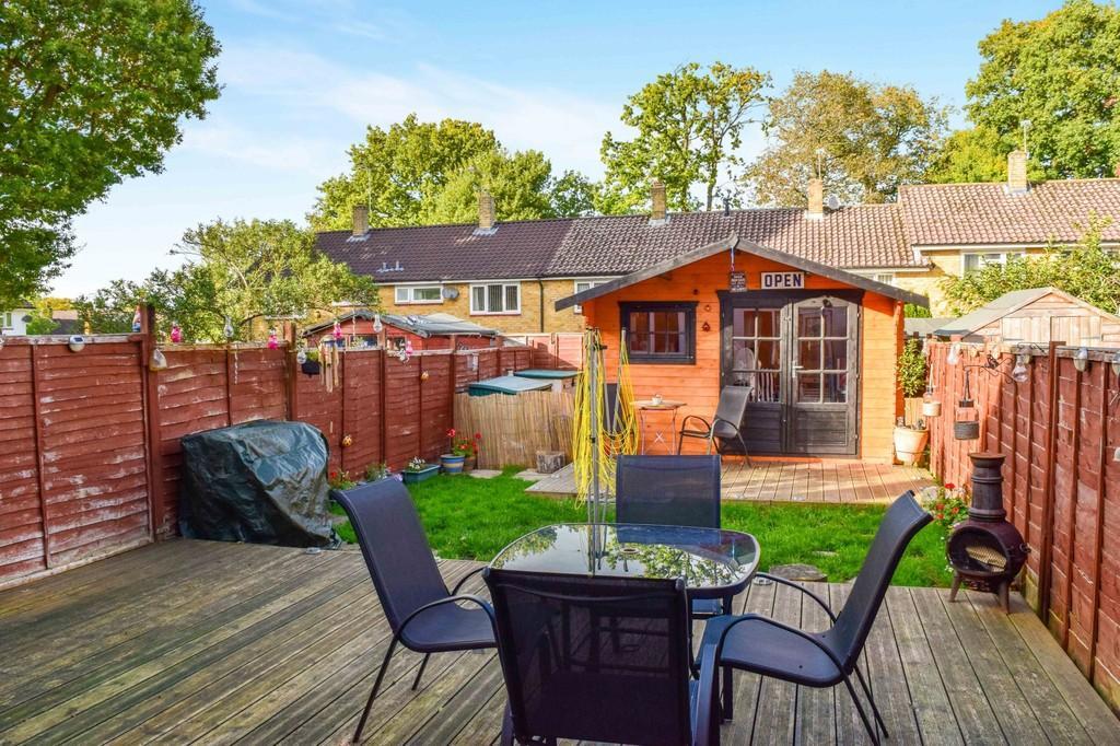 3 Bedrooms Terraced House for sale in Paddockhurst Road, Gossops Green