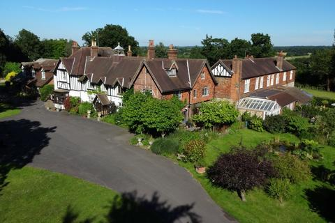 4 bedroom manor house for sale - Hogscross Lane, Chipstead
