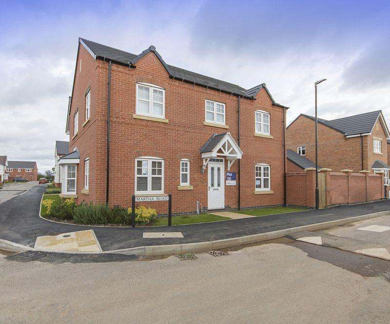 4 Bedrooms Detached House for sale in LANGLEY COUNTRY PARK, DERBY