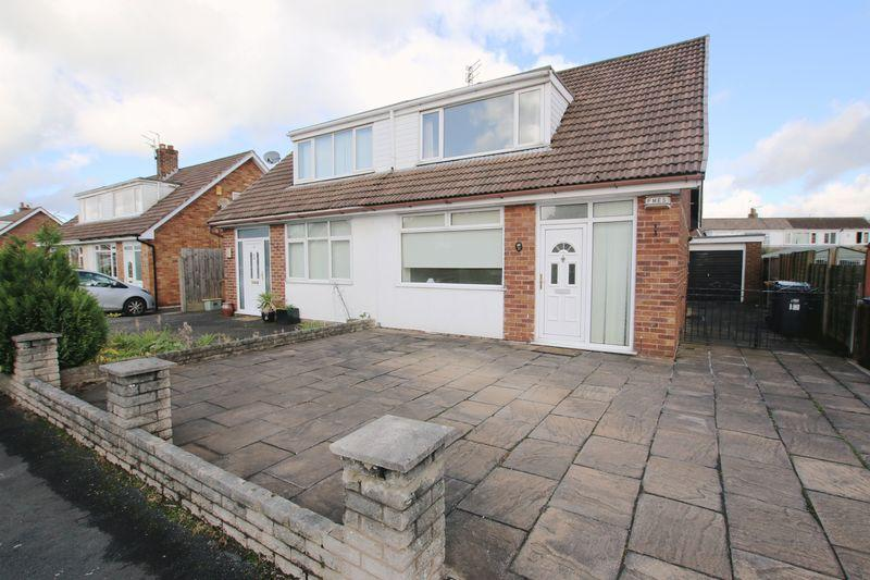 2 Bedrooms Semi Detached House for sale in Landsmoor Drive, Longton