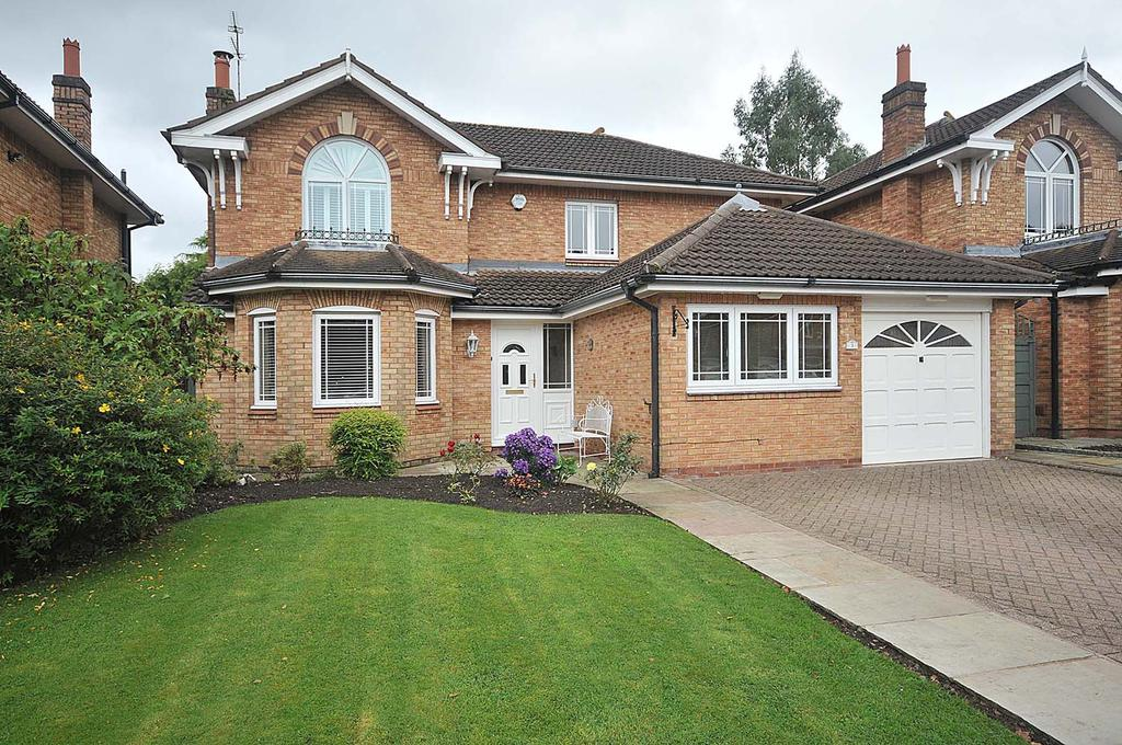 4 Bedrooms Detached House for sale in Landseer Drive, Macclesfield