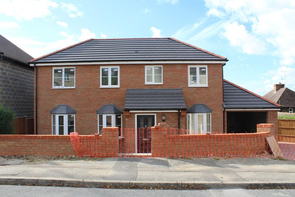 3 Bedrooms Detached House for sale in Sturgeons Way, Hitchin, SG4