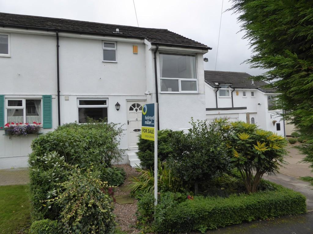 2 Bedrooms Semi Detached House for sale in Greenlay Drive, Kirkhamgate