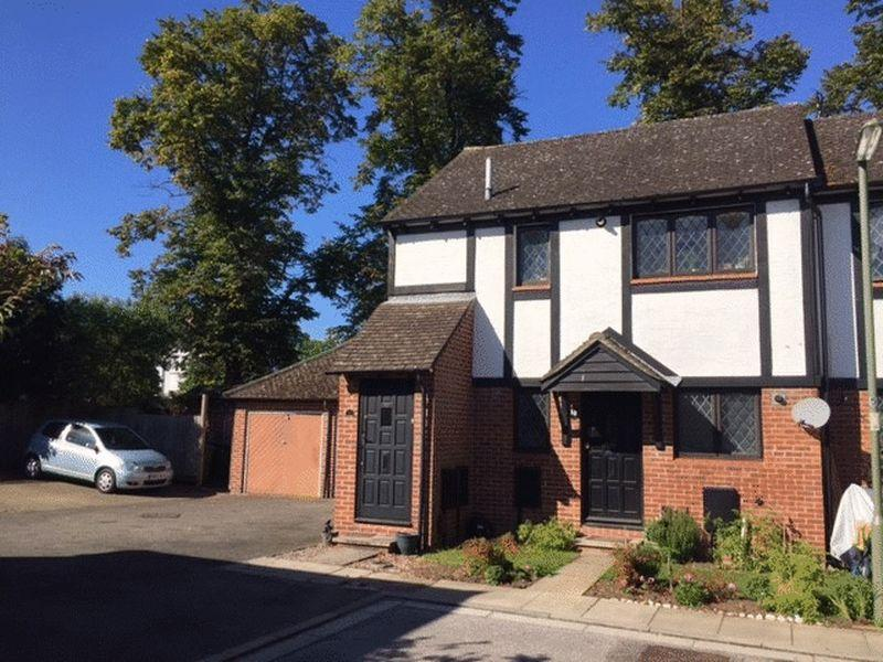 1 Bedroom Apartment Flat for sale in East Molesey