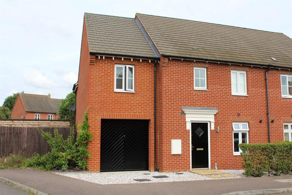 4 Bedrooms Semi Detached House for sale in Prince Charles Avenue, Stotfold, Hitchin, SG5