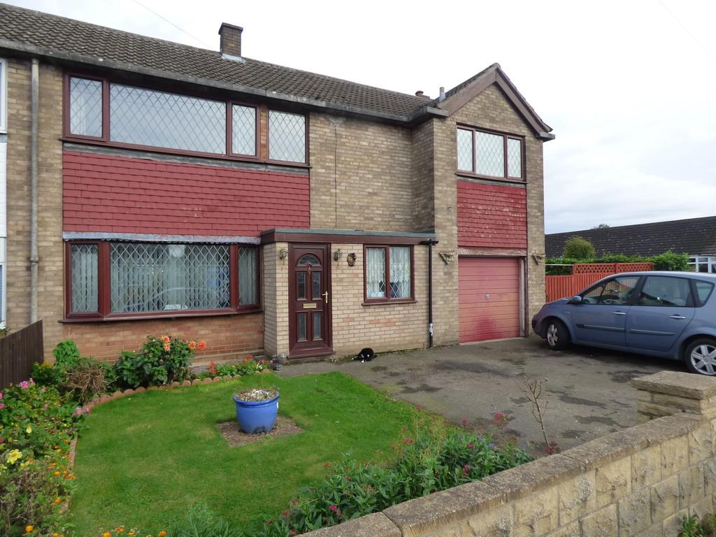 4 Bedrooms Semi Detached House for sale in Fennel Road, Pinchbeck