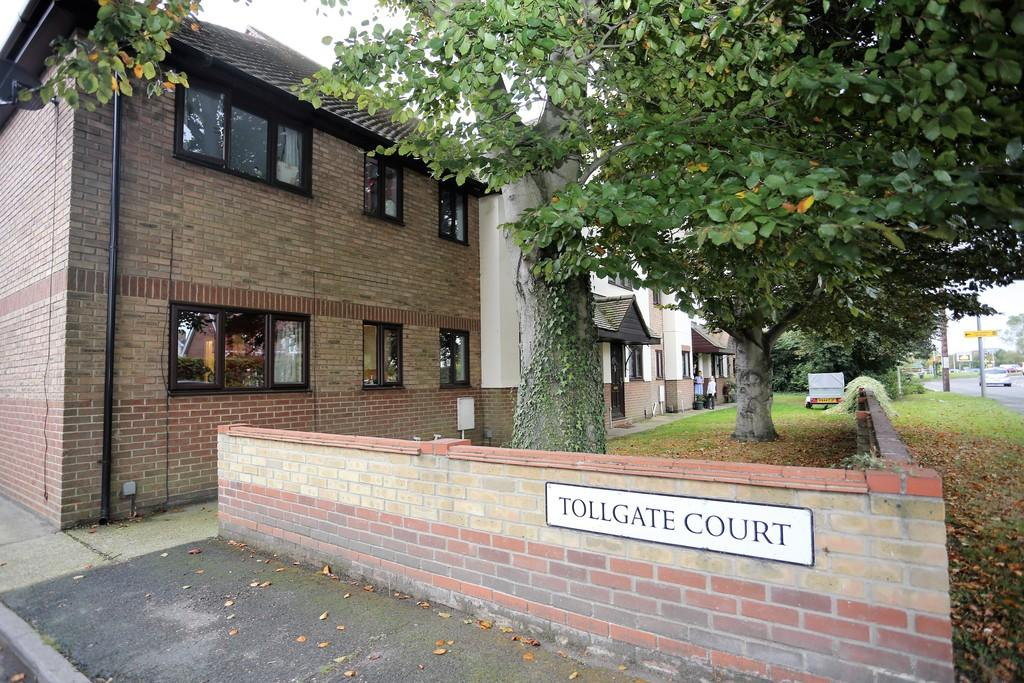2 Bedrooms End Of Terrace House for sale in Tollgate Court, Stanway, Colchester